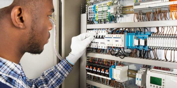 Commercial-Electrician-3